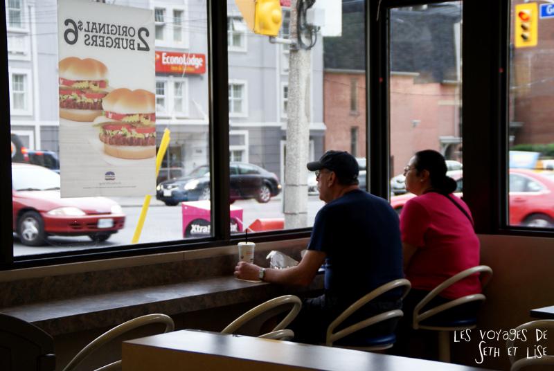 blog canada toronto pvt voyage whv backpack burger shop