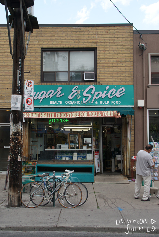 blog pvt whv canada toronto travel voyage kensigton chinatown couple sugarshop magasin sucre vieux