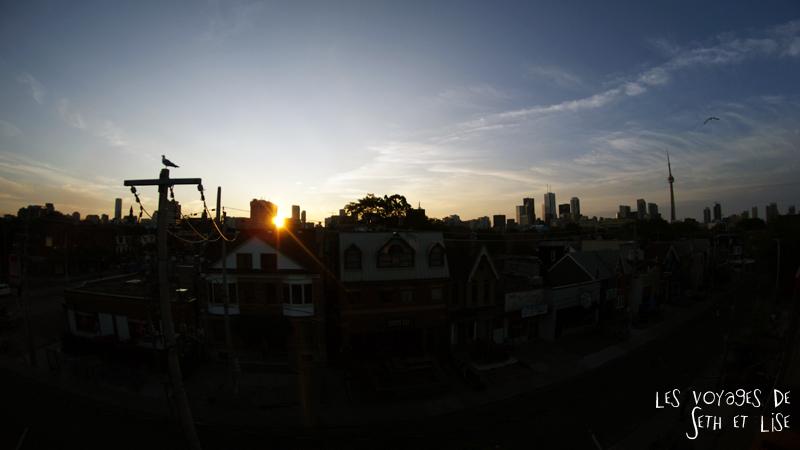 blog canada toronto pvt voyage whv backpack sunrise soleil city