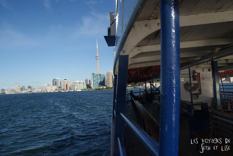 pvt canada toronto couple blog iles island ferry voyage tour du monde vue cbd downtown bateau