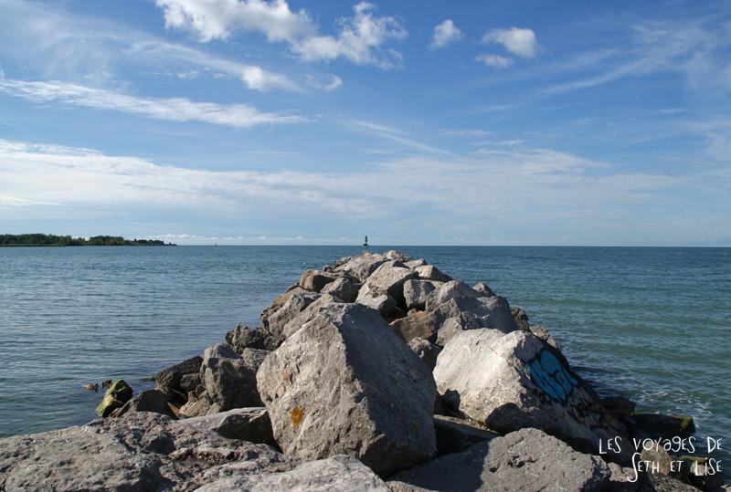 pvt canada toronto couple blog iles island ferry voyage tour du monde digue rocher cailloux lac ontario usa