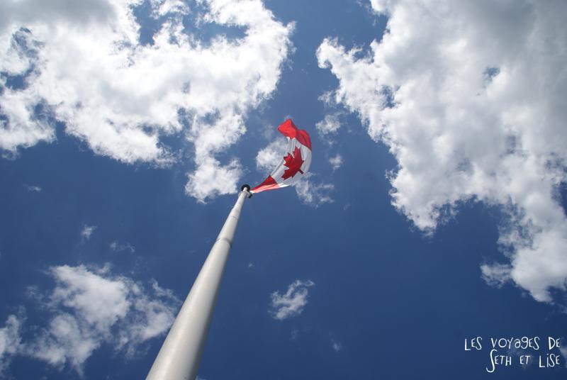 pvt canada toronto couple blog iles island ferry voyage tour du monde drapeau feuille erable rouge