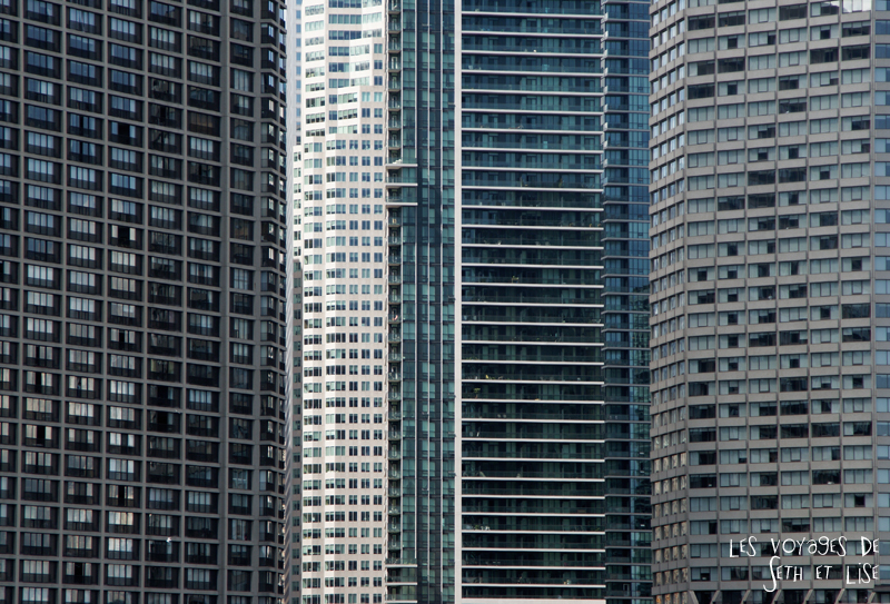 pvt canada toronto couple blog iles island ferry voyage tour du monde building fenetre immeuble city ville urban urbain