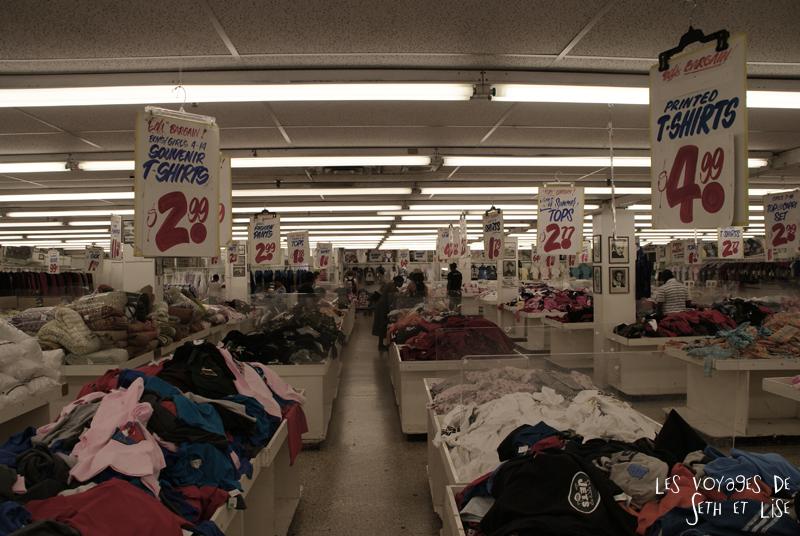 blog photo canada toronto pvt humour whv honest ed bargain vintage shop clothes