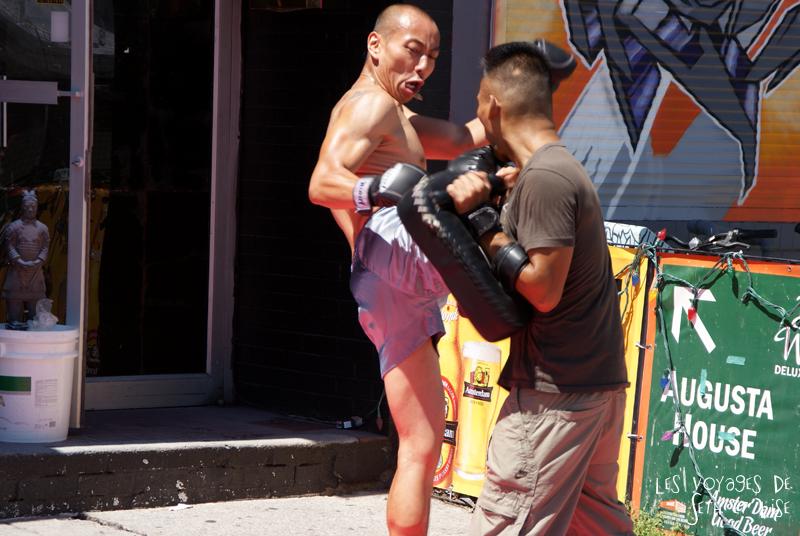 blog voyage canada pvt toronto kensington pedestrian market hippie chill muay thai thai box fight