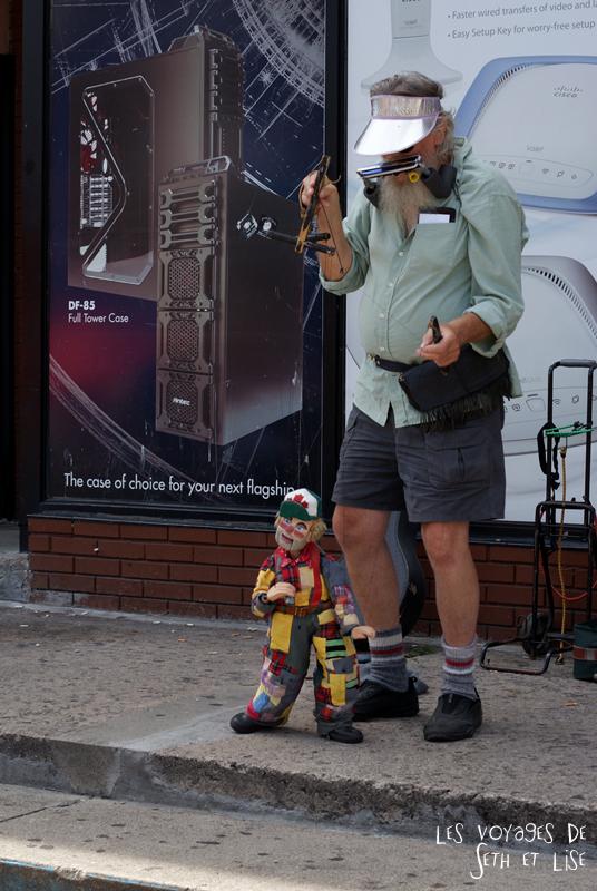 blog voyage canada pvt toronto kensington pedestrian market hippie chill puppet marionette
