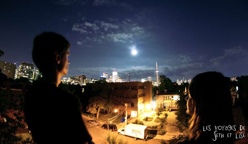 blog voyage canada toronto pvt photo collocation view skyline cn tower full moon couple